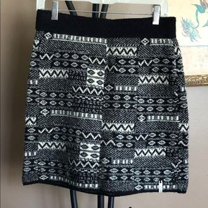 Woolrich sweater skirt black and white pattern